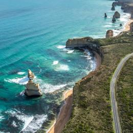 Engineers trying to save the Great Ocean Road